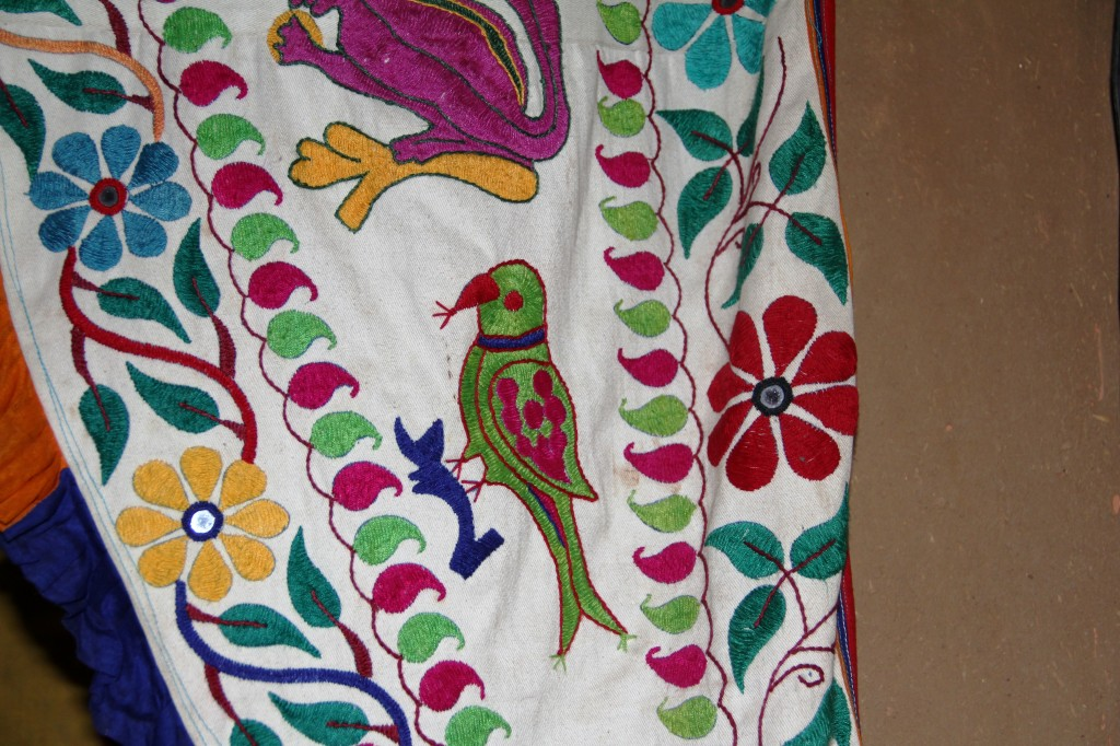 Parrots in folk art